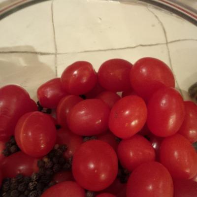 pickled tomatoes 2.jpg