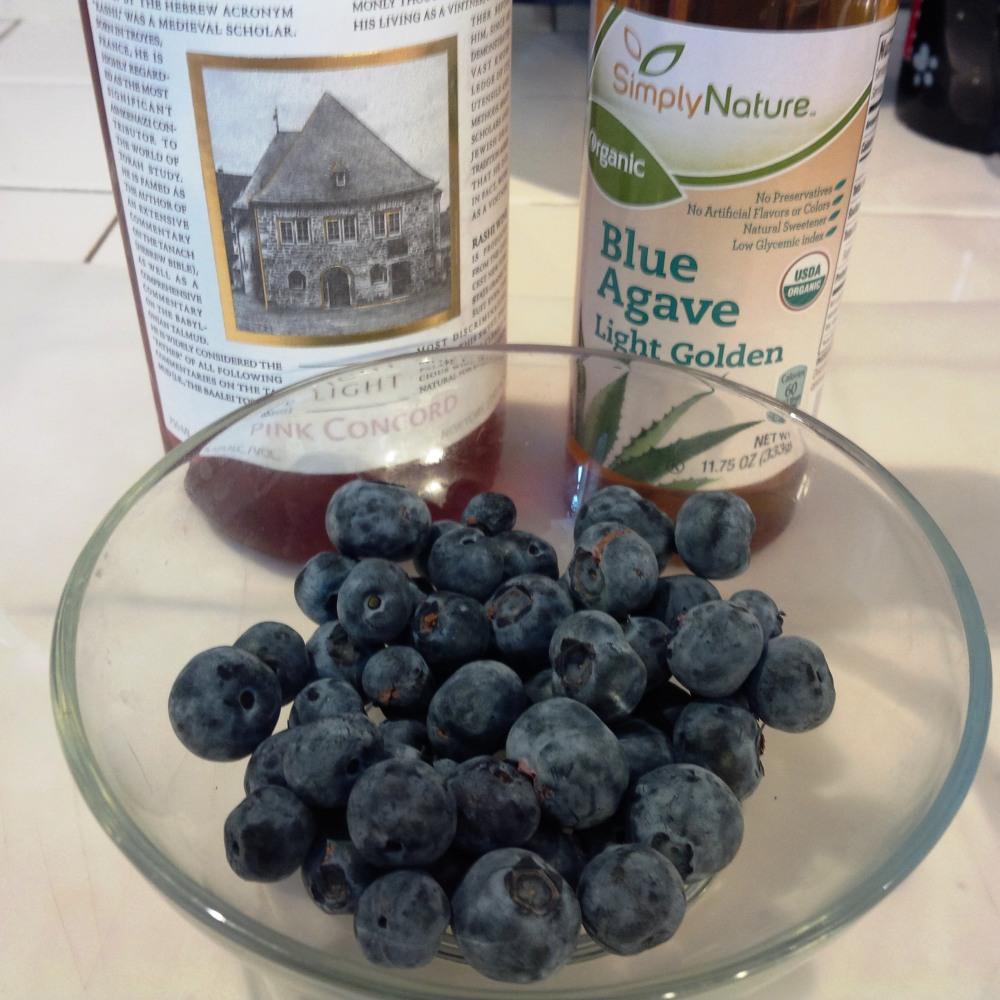 blueberry sauce 1.jpg